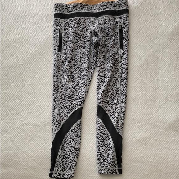 cb873718bb45f lululemon athletica Pants - Lululemon black and white pattern legging